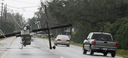 El huracán Gustav se degradó a tormenta tropical pero sigue el alerta