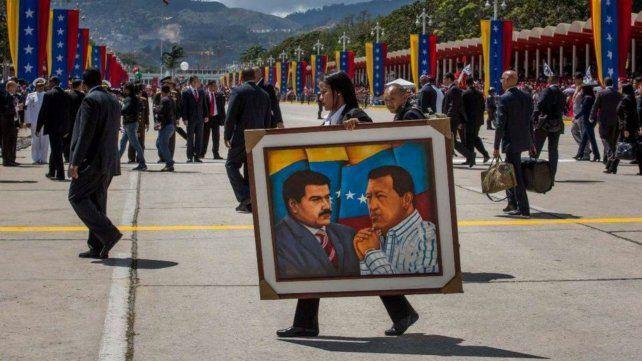 Venezuela conmemoró el 25ª aniversario de un intento de golpe de Chávez