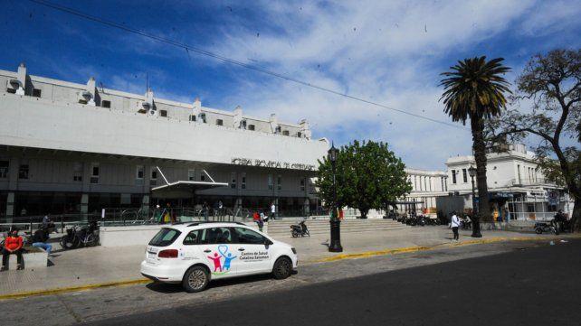 El hombre baleado el lunes murió la madrugada de este jueves en el Hospital Centenario.