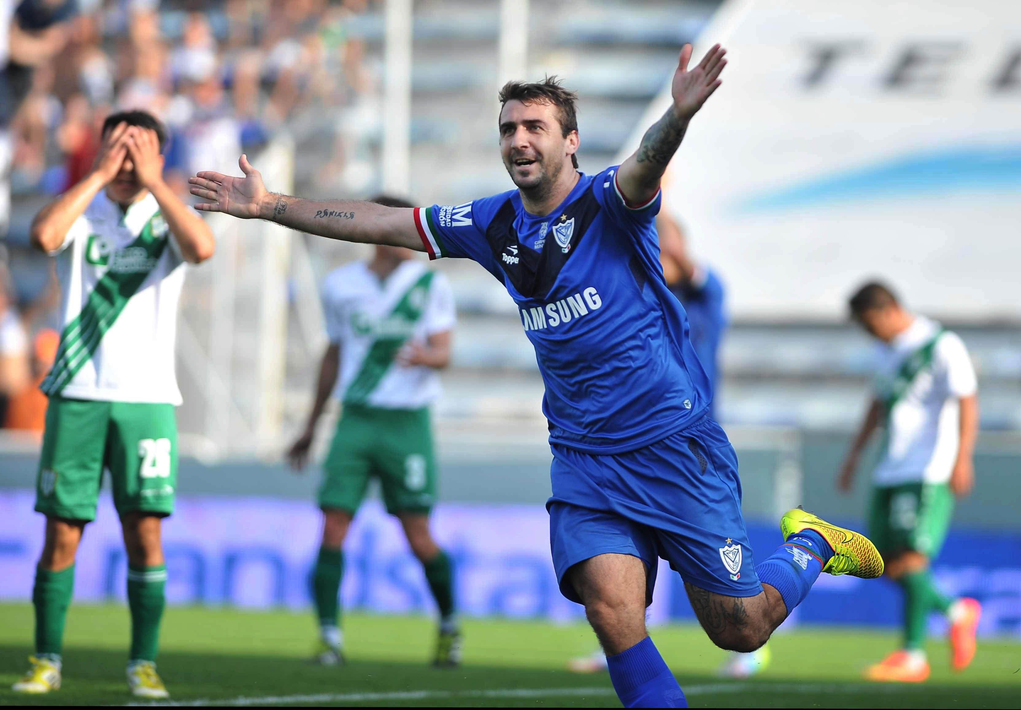 Lucas Partto celebra su gol