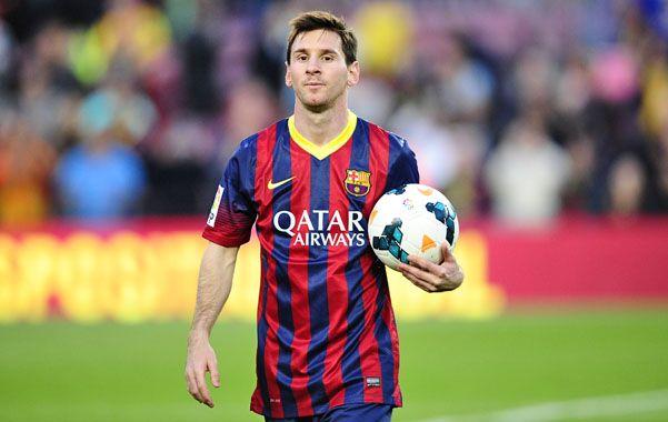 Dueño de la pelota. El rosarino otra vez anotó tres goles y se mostró orgulloso por esta nueva marca en Barcelona.