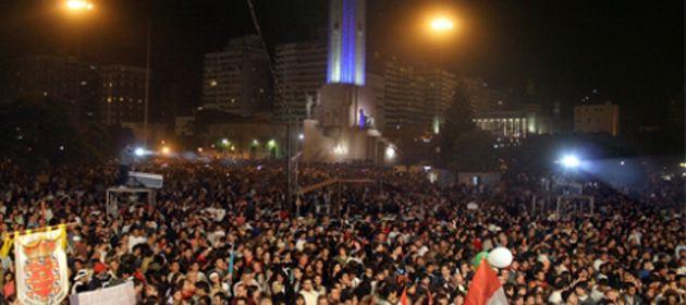 Sólo en la noche del viernes pasado pasaron por Colectividades más de 60 mil personas
