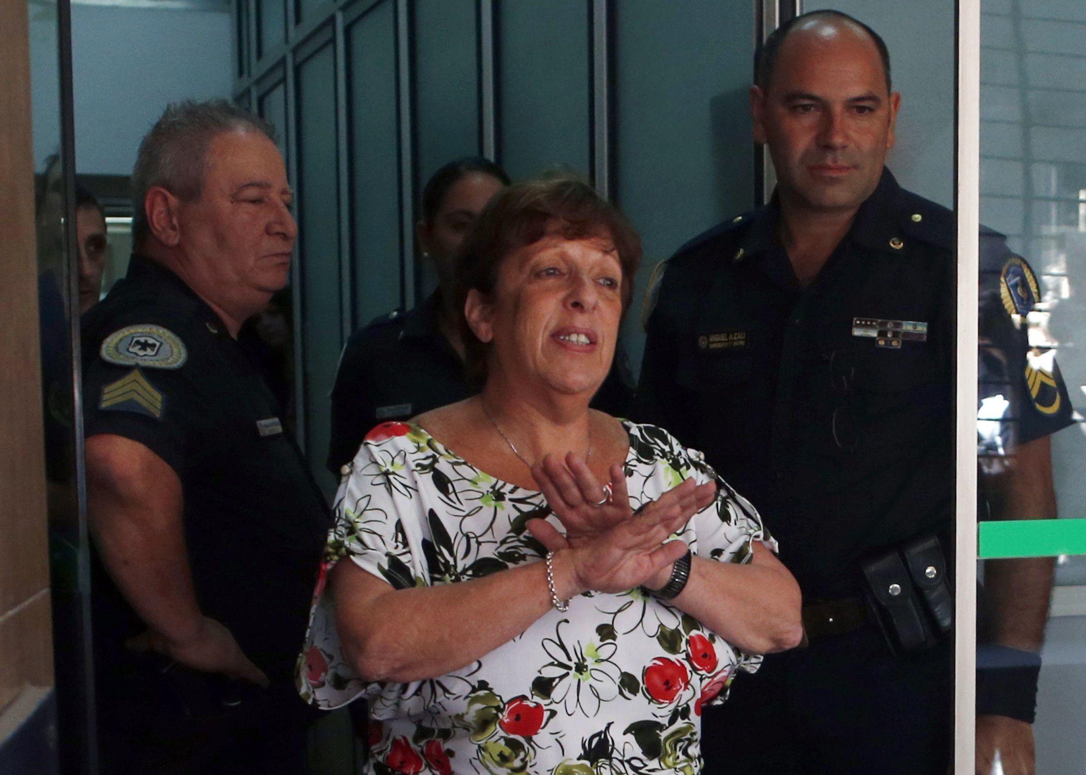La fiscal Viviana Fein afirmó que hay irregularidades graves y asentamiento no registrado de las visitas al complejo Le Parc.