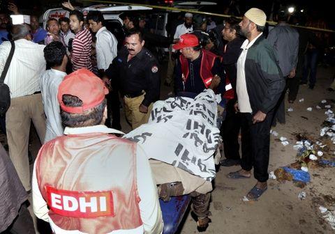 Las desgarradoras imágenes del atentado que sacudió a Pakistán