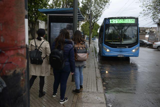 El regreso a la presencialidad en las cinco facultades que funcionan en La Siberia expone los graves problemas que tiene el transporte público de la ciudad.