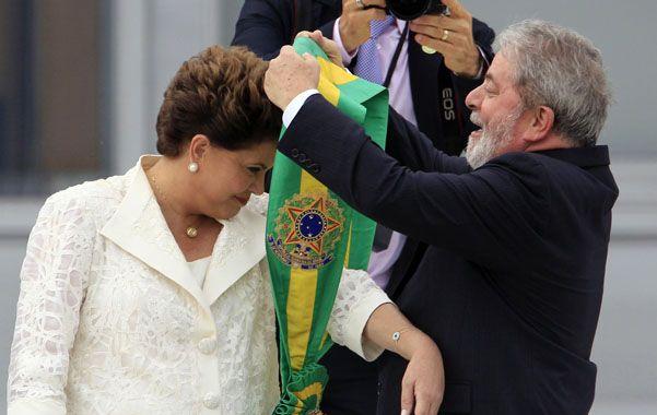 Día histórico. El 1º de enero de 2011 Lula le pasa la banda presidencial a Dilma. ¿Se repetirá en sentido inverso?