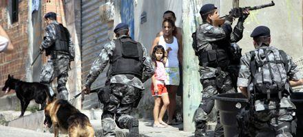 Identifican y buscan al narcotraficante que derribó un helicóptero policial en Río