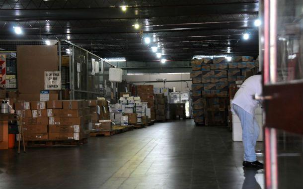 En el depósito provincial de medicamentos ayer la actividad era normal. (Foto: V. Benedetto)