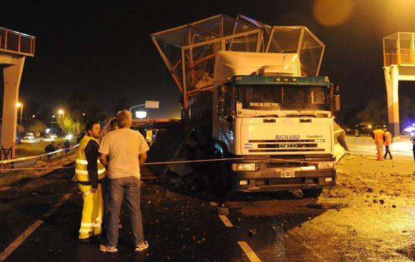 increíble. La estructura se desplomó con el paso de un camión. (Foto: H. Río)