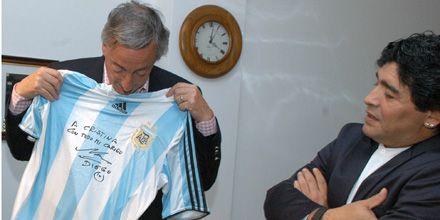 Maradona y Kirchner jugaron para el mismo equipo en un picadito