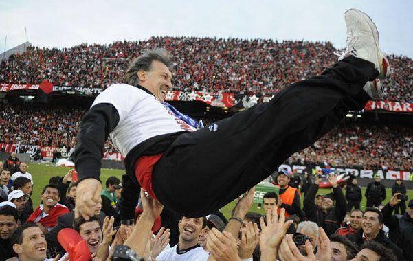 Martino aseguró que Newells va a ganar alguna copa más y dejó flotando la esperanza de los hinchas de obtener el máximo galardón de la Copa Libertadores (Foto: A. Amaya).