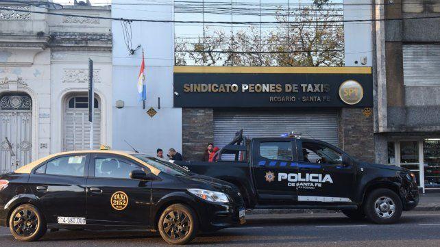 Denuncian amenazas de sujetos armados frente al Sindicato de Peones de Taxis