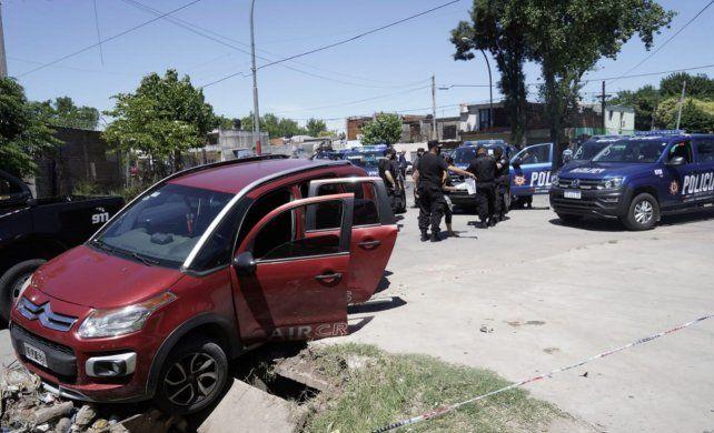 Los adolescentes iban en un un Citroën Air Cross bordó que fue robado esta mañana.