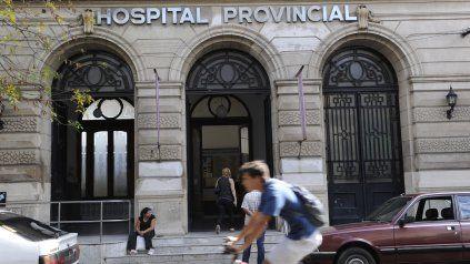 Un joven de 24 años llegó gravemente herido de bala al Hospital Provincial y murió.