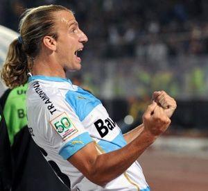 Acusan por trato discriminatorio a Maxi López en el partido Cruzeiro-Gremio