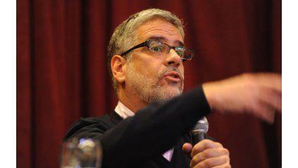 """Duro. Feletti advirtió que si no hay acuerdo con empresarios, se fijarán """"políticas de precios máximos""""."""