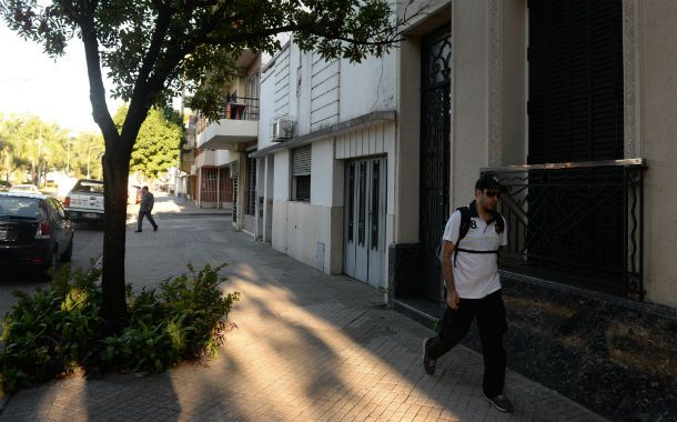 Contiguas. Las casas robadas se ubican frente a la terminal de ómnibus.