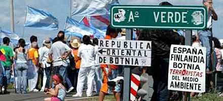 Gualeguaychú: dicen que el sábado un grupo intentará pasar a Uruguay por el corte