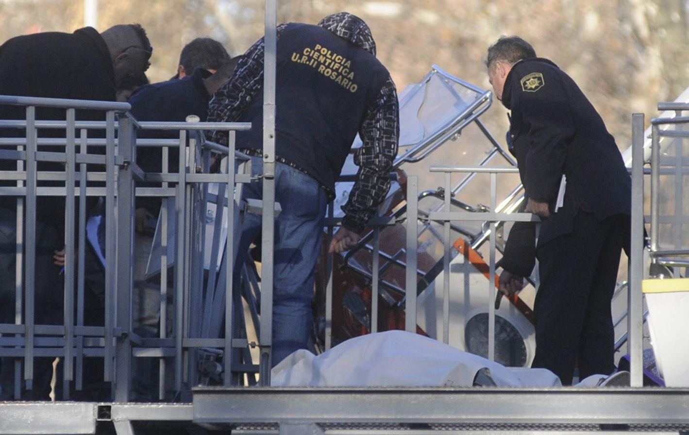 Una tarde de horror. El accidente del sábado en el International Park potenció el dolor que envuelve a los rosarinos.