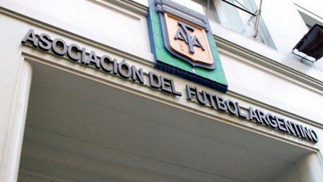 Una nueva escucha para que bajen una sanción a Carlos Tevez sacude a la AFA