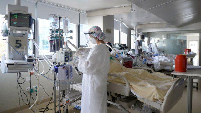 Las terapias intensivas están al borde del colapso.