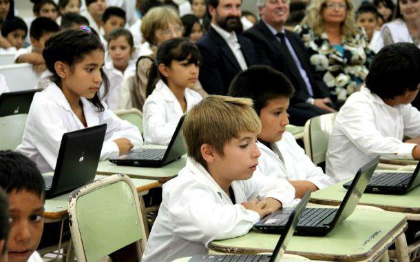 Los niños de nivel inicial podrán contar con pizarras y tabletas electrónicas para tomar clases.