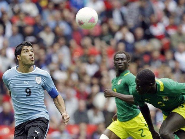 Uruguay cayó ante Senegal. Fotos: AP y Reuters