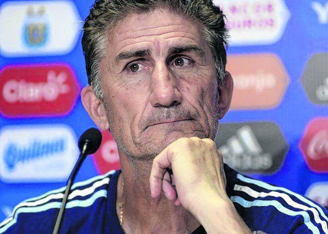 Bauza se toma revancha con Sampaoli y pone en dudas de que pueda ganar en la altura de Quito.