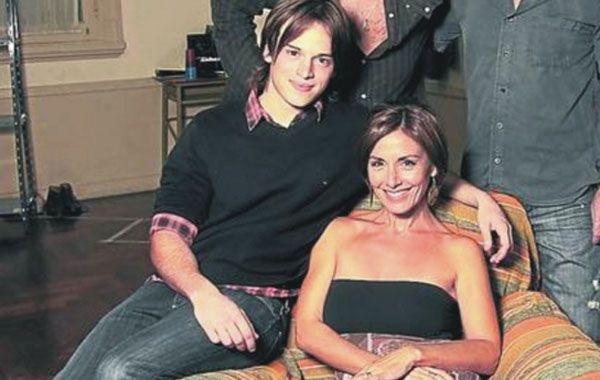 Viviana y Santiago en una de las imágenes que promocionaba la obra de teatro en la cual se conocieron.