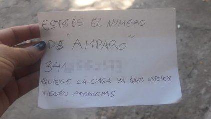 Luego de una semana de ataques contra la casa, llegaron personas con una nota en la que ofrecían una solución a esos problemas.