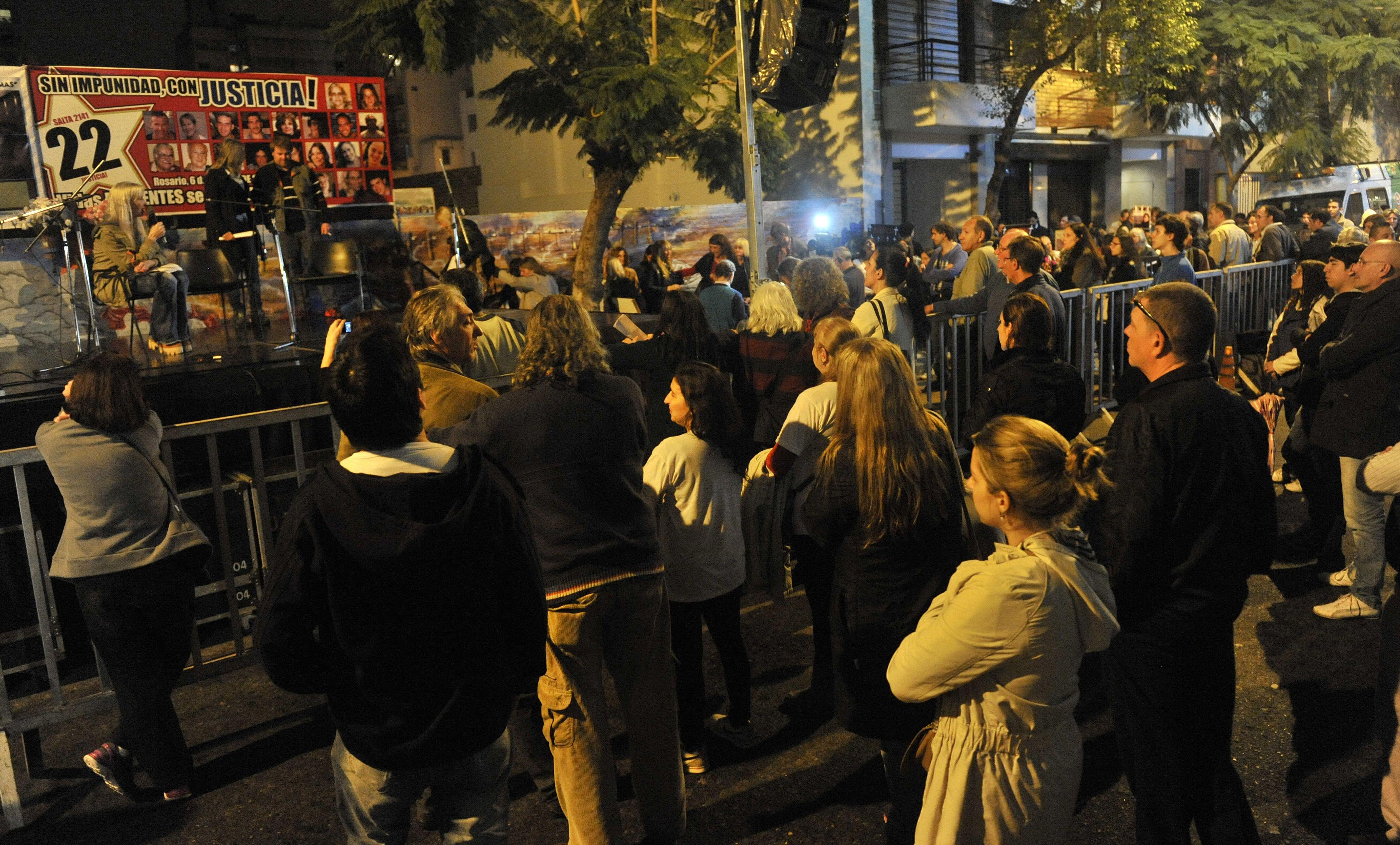 Familiares de la víctima que fallecieron en la explosión claman por justicia y memoria. (Fotos: Virginia Benedetto)