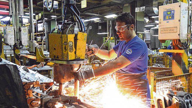 Producción industrial de las pymes cae 1,3 por ciento en noviembre