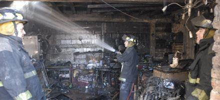 Voraz incendio en una precaria vivienda en la que funcionaba un taller