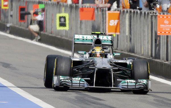 Pole. El piloto de Mercedes anduvo rápido. Su compañero Rosberg también: 4º.