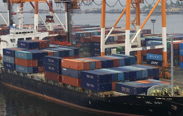 Contracción. El comercio internacional se redujo durante 2014.