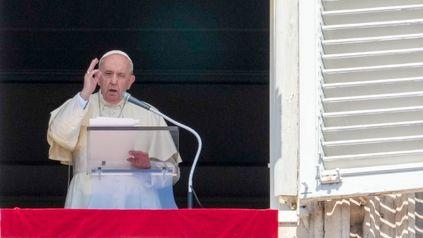 El papa habló frente a los fieles congregados en la Plaza San Pedro.