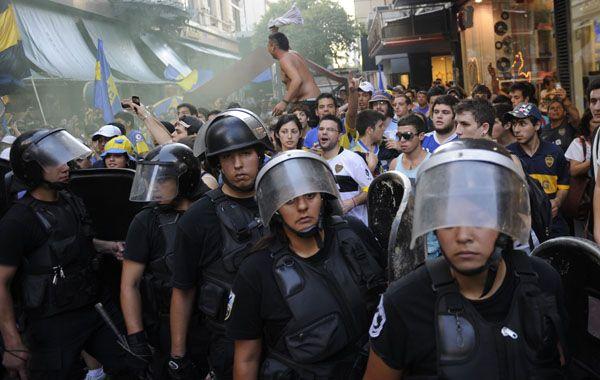 Los manifestantes xeneixes se enfrentaron con la policía en el centro de Buenos Aires. (Télam)