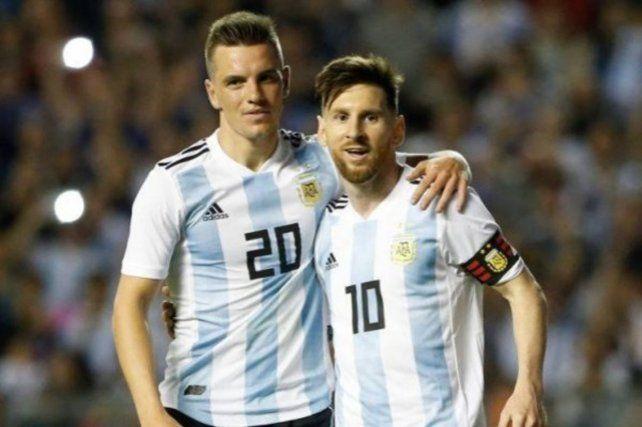 Dúo dinámico. Lo Celso y Messi con la albiceleste.