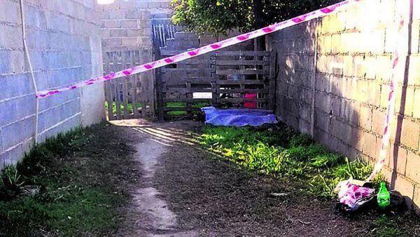 Una nena de 5 años fue a hacer un mandado y apareció muerta en el fondo de una casa vecina