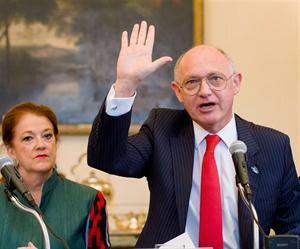 Timerman llamó al embajador británico y lo propio hizo Gran Bretaña con la embajadora Castro.
