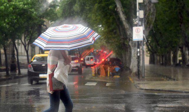 Lanzan un alerta meteorológico por tormentas fuertes para Rosario y la región.