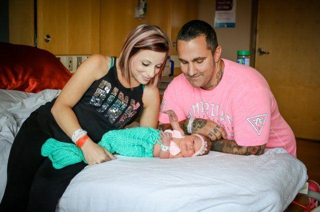 Un beso mortal privó a una pareja de poder disfrutar de su pequeña de 18 días