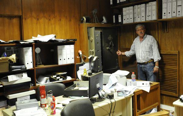 Los ladrones abrieron la caja fuerte con una amoladora y recogieron los $13 mil que había en su interior.