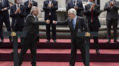 Fernández y Piñera compartieron un acto en el histórico Palacio de la Moneda.