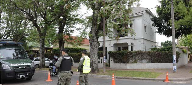 La casa del gobernador Bonfatti fue atacada a balazos en la noche del 11 de octubre de 2013. (Foto: S. Suárez Meccia)