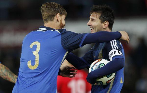 Goles rosarinos. Ansaldi y Messi