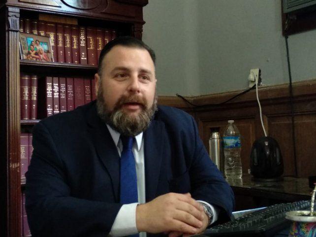 El acusador es el fiscal de juicio oral Federico Reynares Solari.