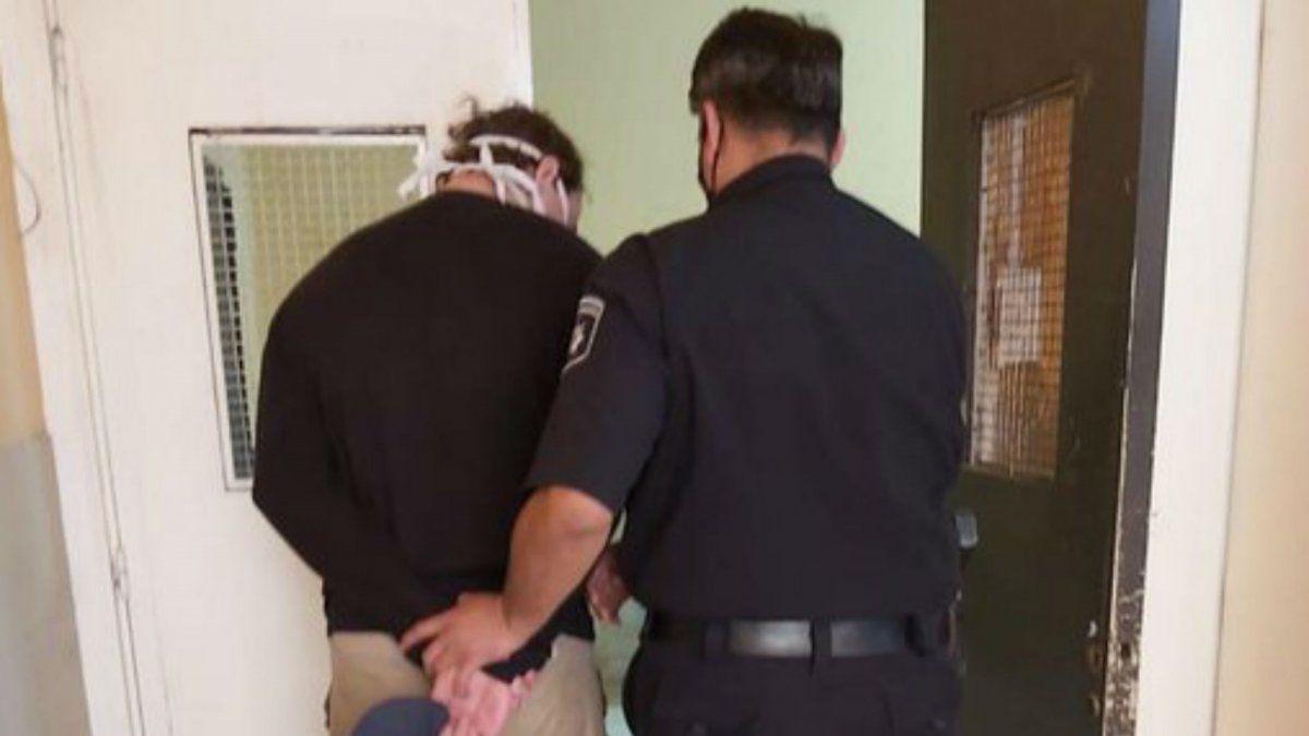 un-joven-25-anos-que-increpo-al-gobernador-omar-perotti-un-acto-venado-tuerto-fue-detenido