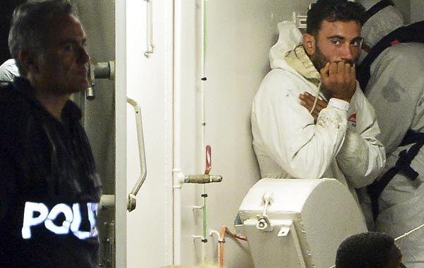 Prisión preventiva. El capitán tunecino de 27 años se come las uñas tras ser detenido por la policía italiana.