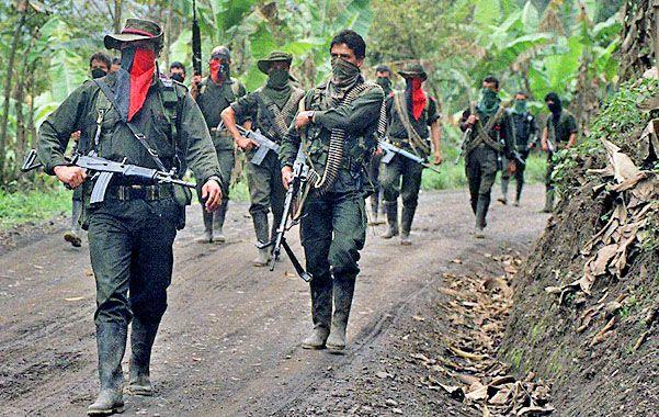 En guerra. Una columna del ELN en la selva colombiana.